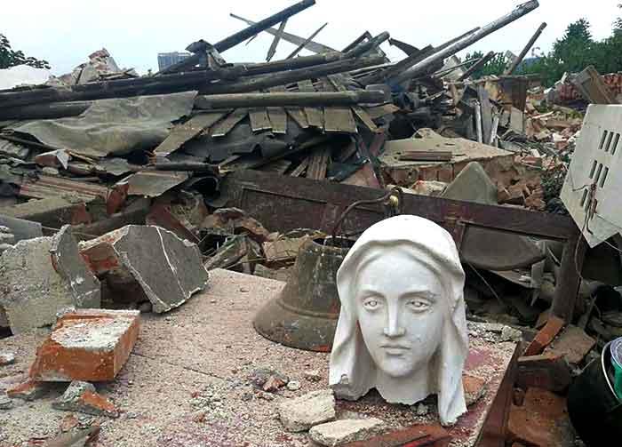 La China comunista continúa la persecución contra los católicos