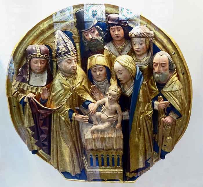 El Niño Dios derrama en la Circuncisión las primeras gotas de su sangre en favor de los hombres.