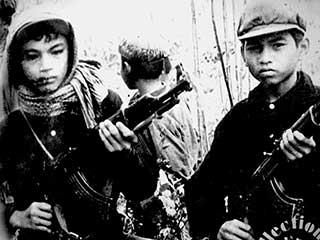 https://www.accionfamilia.org/images/Khmer-Rougea.jpg