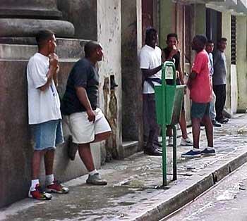 El desincentivo a la actividad individual lleva a la pereza y a la miseria en Cuba