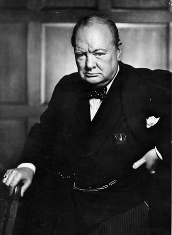 Churchill en su vejez: su mirada profunda, un porte, una seguridad; y una fisonomía que tiene una fuerza hercúlea