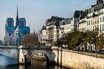 Vista de la Catedral de Notre Dame desde l'ile de la Cité
