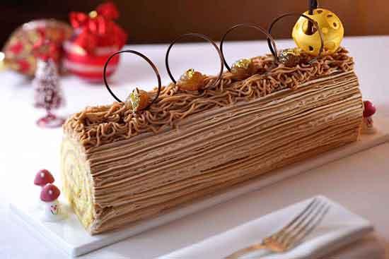Bûche de Noël francesa que se puede traducir por tronco de Navidad es deliciosa