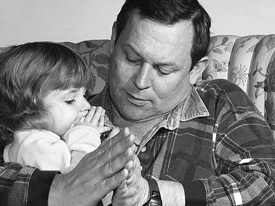 No basta que los padres sean piadosos: es necesario que sus hijos los vean rezando
