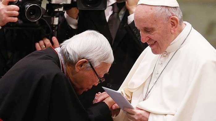 El Cardenal Zen con Francisco