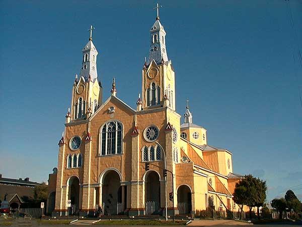 La iglesia matriz de Castro nos enseña como el buen gusto no necesita mucho dinero