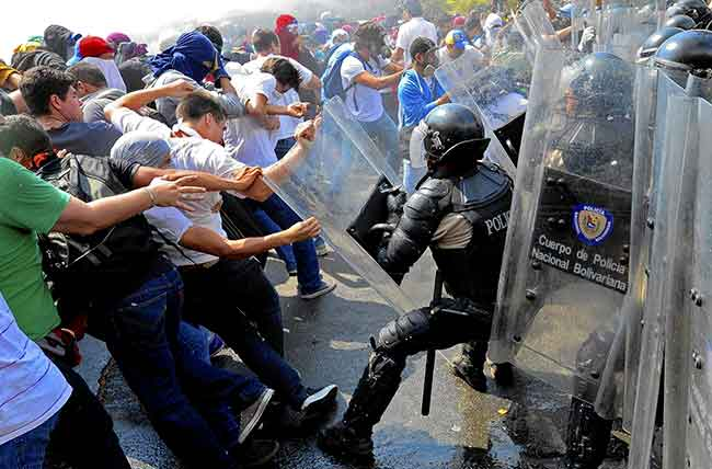 La represión de Maduro se ha transformado en el asesinato de oponentes