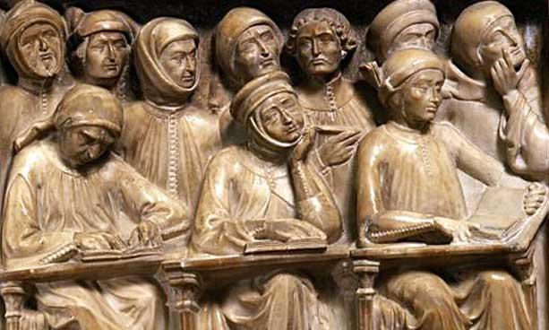 Las universidades medievales tenían intelectuales como Santo Tomás de Aquino y San Buenaventura