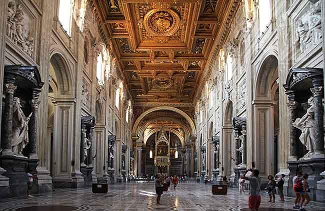 La Archi Basílida de San Juan de Letrán es la catedral de la diócesis de Roma y del Papa