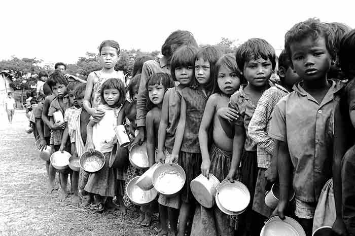 Niños separados de sus familias y reducidos a mendigos en Camboya