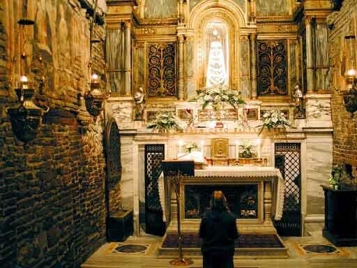 La casa de Loreto, en la que nació la Virgen