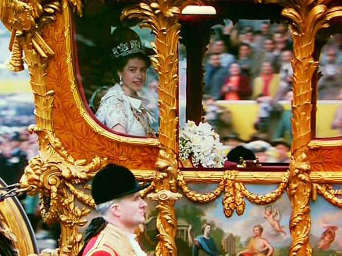 La Reina Elizabeth en el día de su coronación